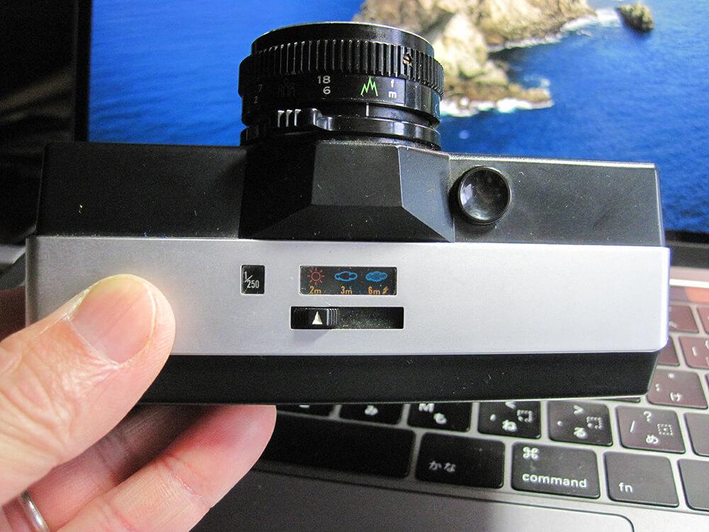 110カメラ